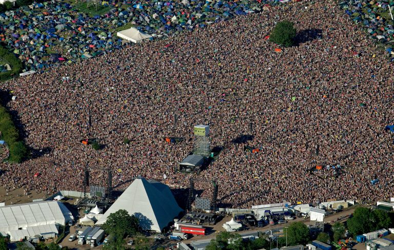 GettyImages-117484517_glastonbury_2000-768x488.jpg